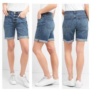 "GAP 7"" High-Rise Denim Shorts with Cuffed Raw Edge"